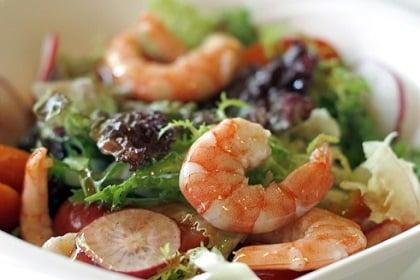 Salade verte aux crevettes